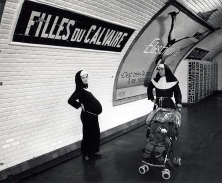 Un métro parisien fripon, canaille et polisson.