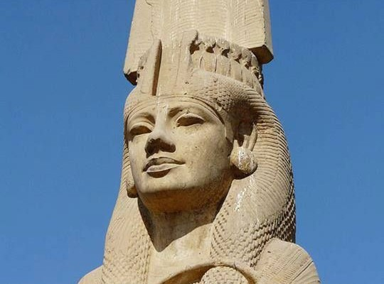 Sur les pas des Pharaons et Reines d'Egypte.