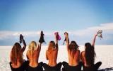 toplesstour