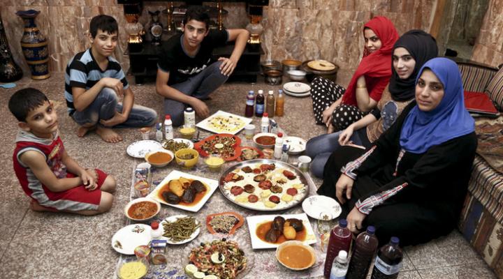 RAMADAN : la rupture du jeûne de Bagdad à Pékin.