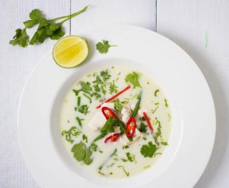 RECETTE : Tom Kha Kai, soupe thaï au poulet & lait de coco