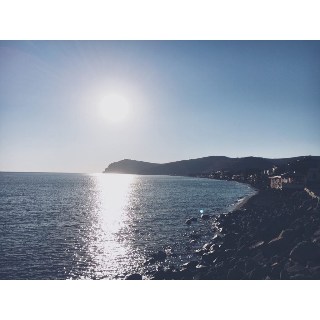 grece-lesvos-coucher-de-soleil-mer-montagne