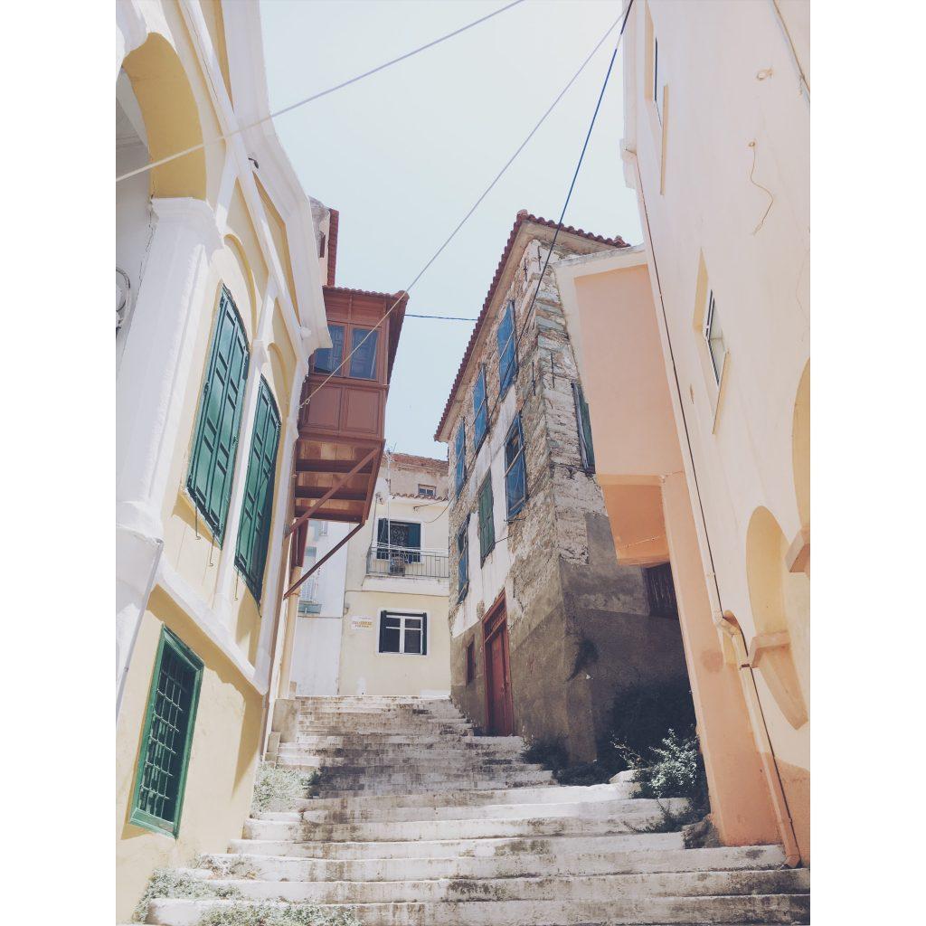 grece-lesvos-mur-architecture-marches-ruelles