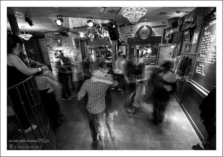 soiree-salsa-au-bruit-qui-court-rodez