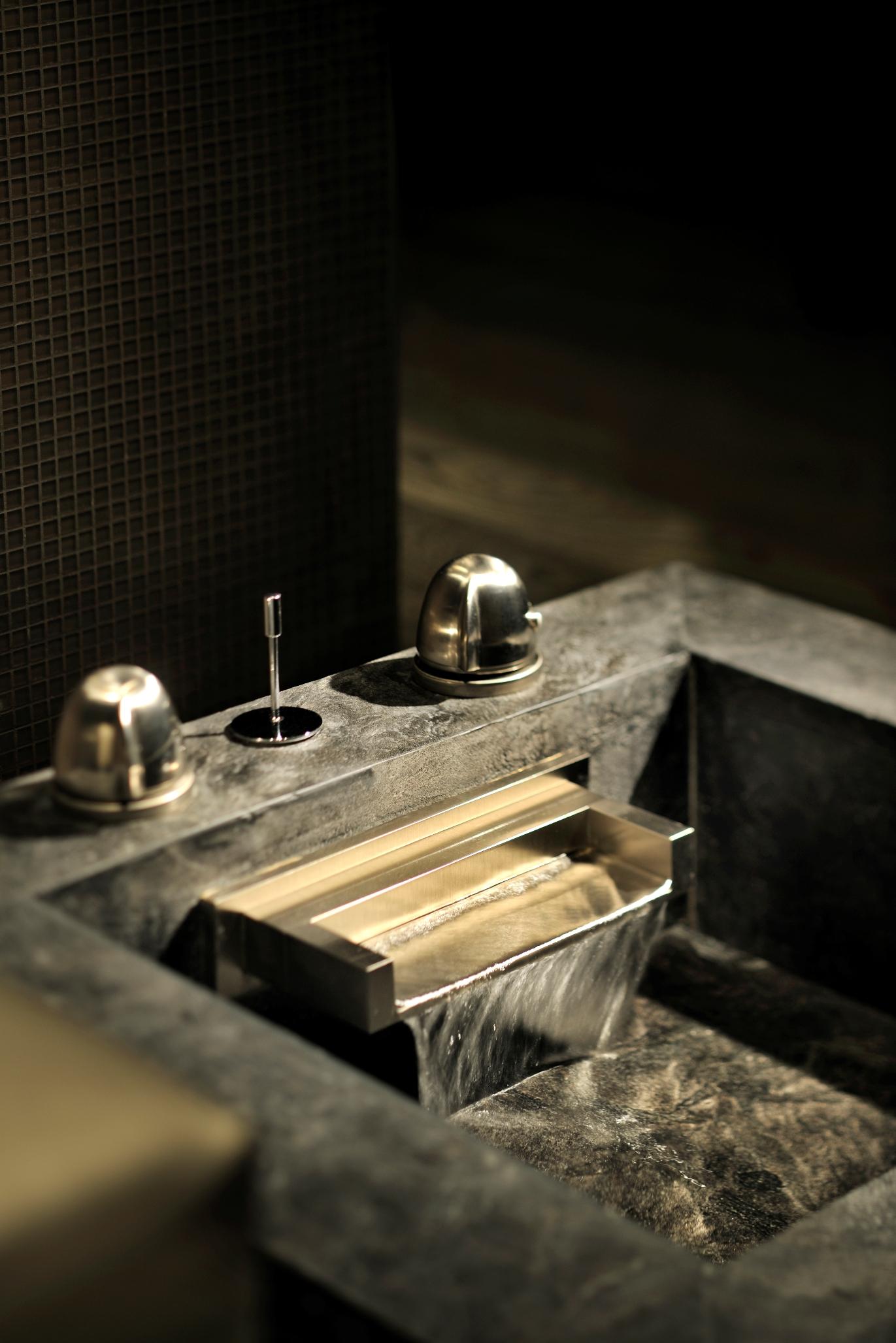 Armani Spa - Foot Bath Ritual