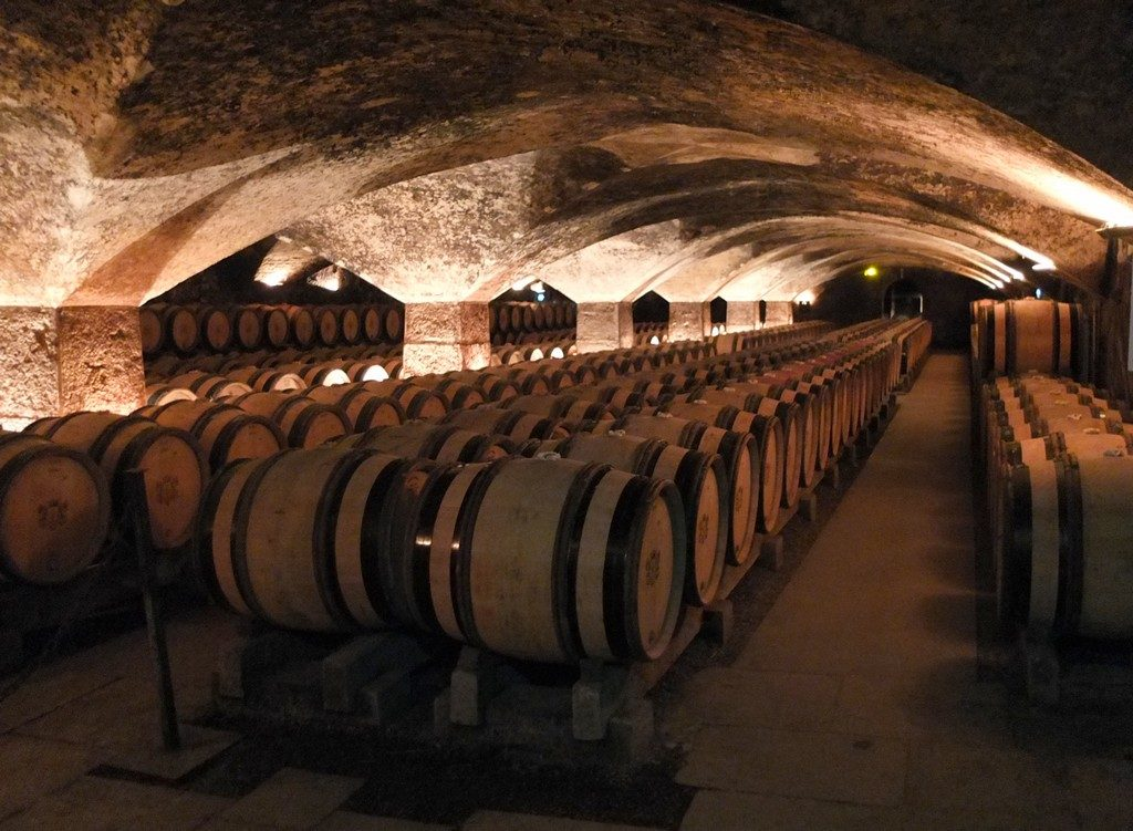 chateau-pommard-bourgogne-caves3