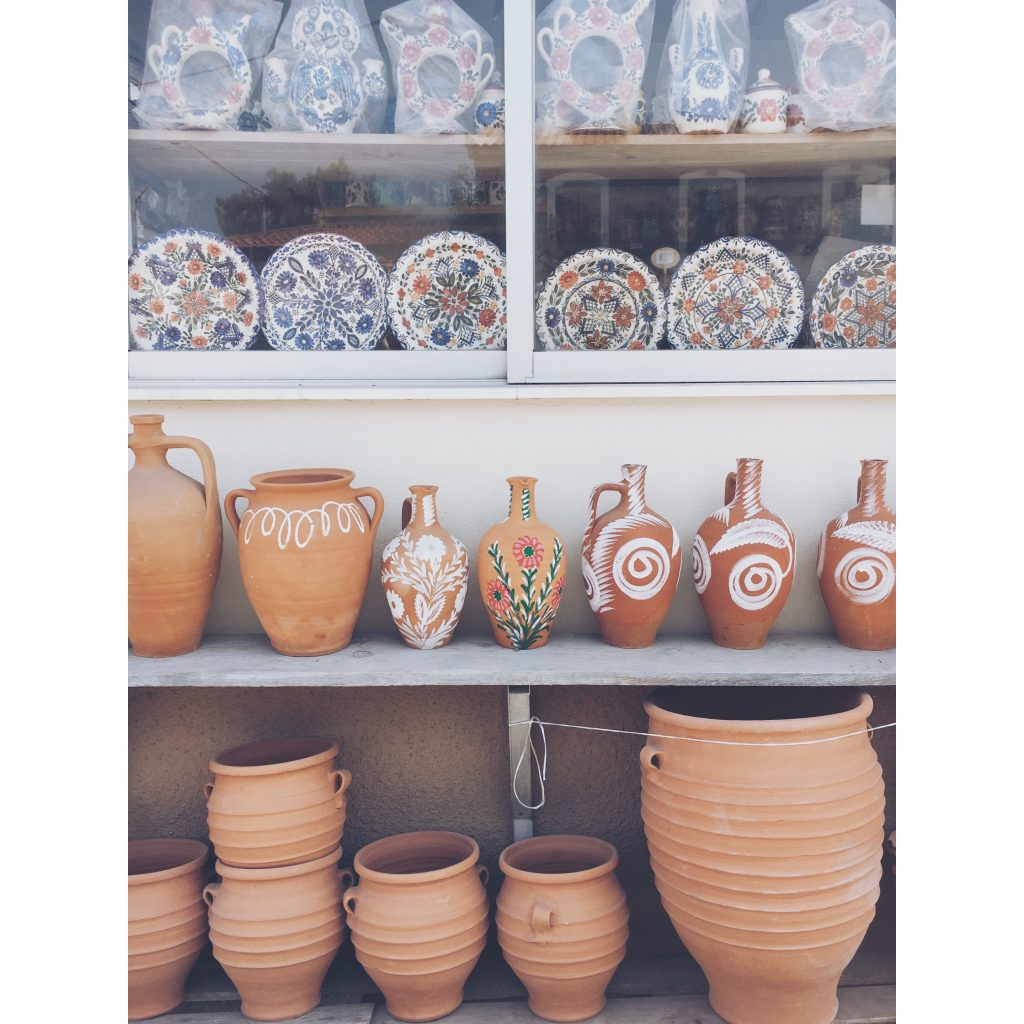 grece-lesvos-poteries-decoration-assiettes-couleurs